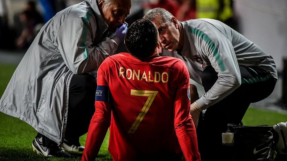 Роналду в матче с Сербией